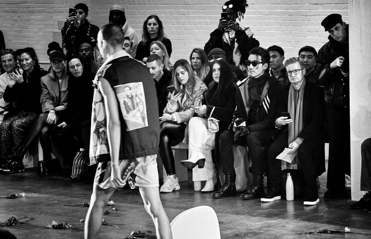 20年代首场时尚大秀落幕 男装周全球代言人胡兵不忘初心保持态度