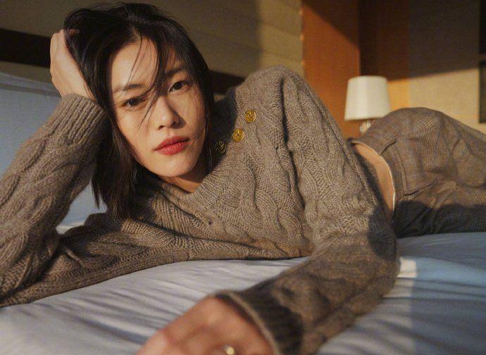 大表姐刘雯超美马甲线 不愧是超模