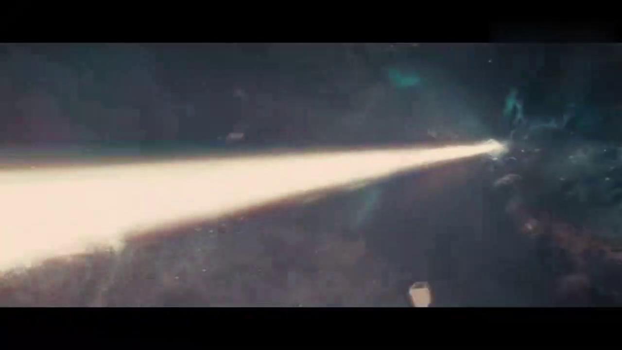有了雷神之锤的托尔才能击碎彩虹桥,锤子都没了的雷神还能干啥!