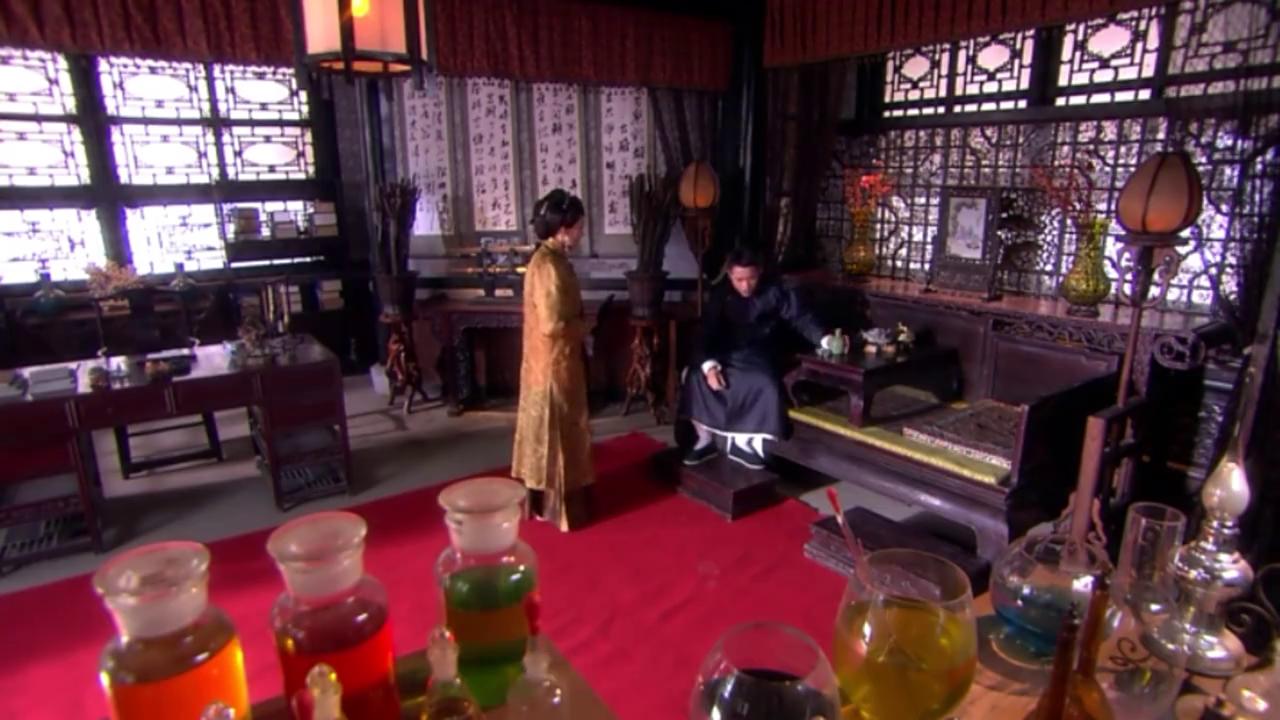 苏雨宁误以为是少华杀害自己家人,对他恨之入骨,让少华百口莫辩