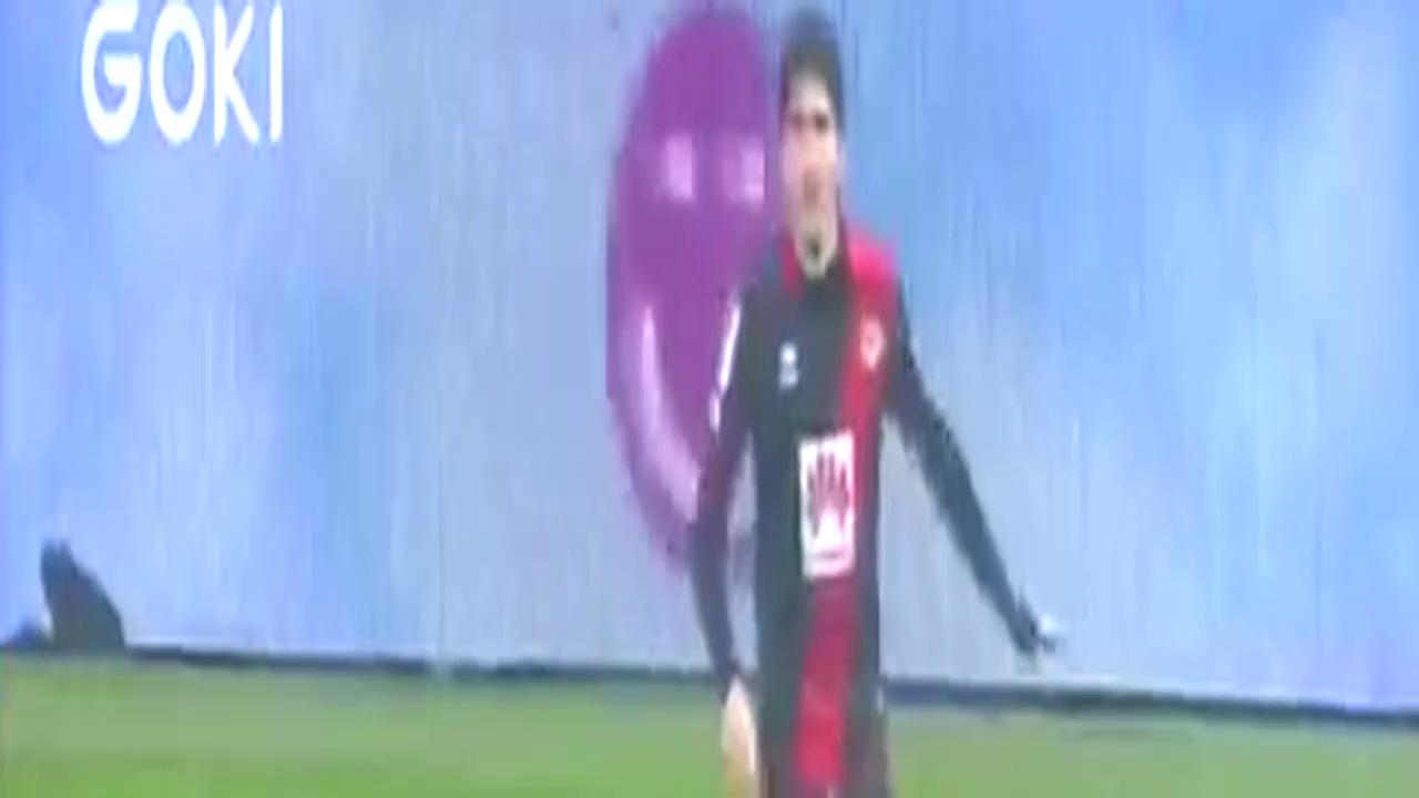 足坛迄今为止10大炫酷空中停球技巧秀