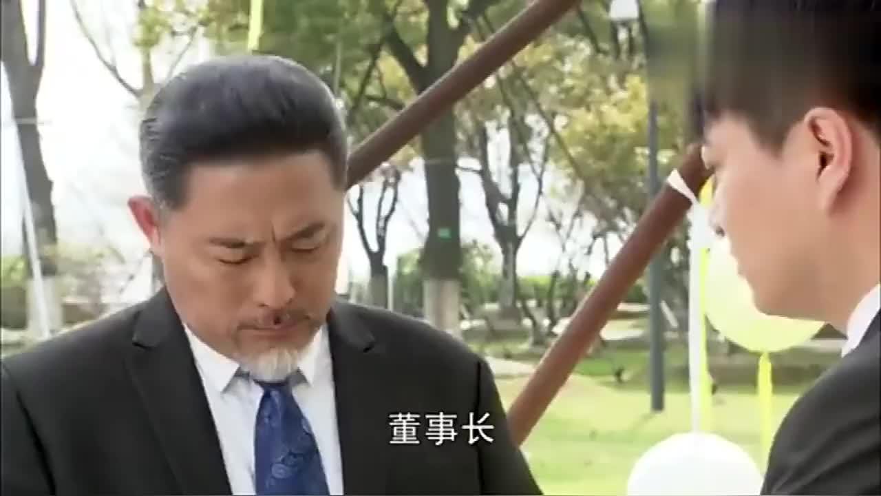 心机女婚礼上找人假冒母亲被总裁爸爸揭穿太解气了