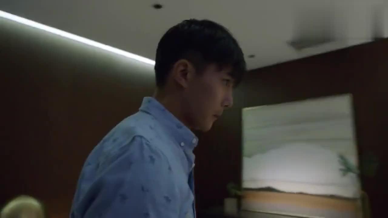 陈哲跟欧瑞要1000万的分手费欧瑞一个电话陈哲吓得落荒而逃