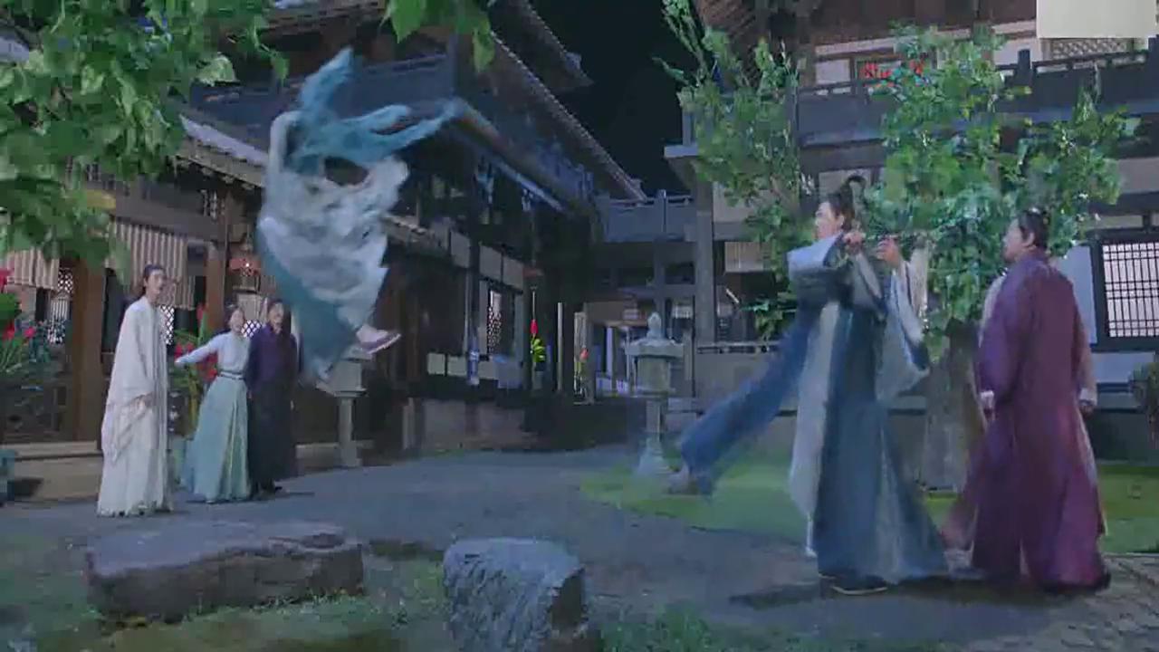 道长瞧不起狐仙大开杀戒,不料红狐一出手,使他当场崩溃!