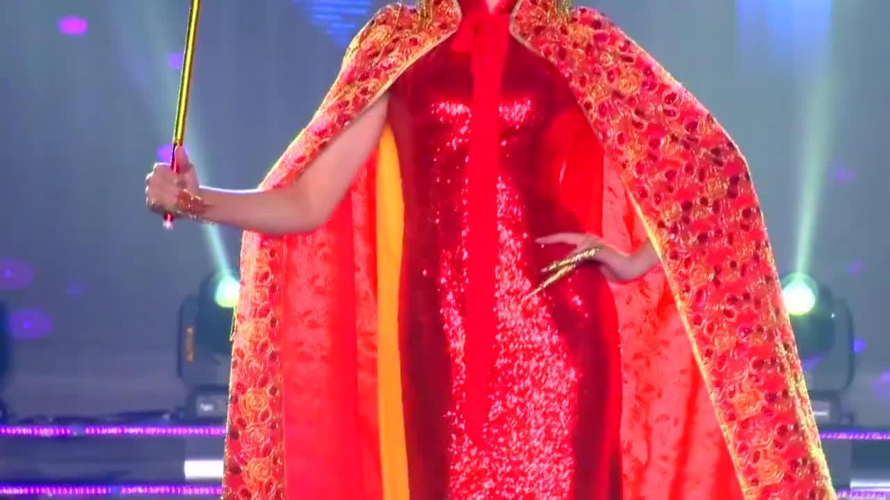美女演绎中国风时装,绝美大气,尽显东方魅力