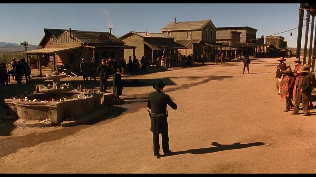 当年21岁的小李子演绎快枪手,这部西部大片,拔枪姿势爆帅