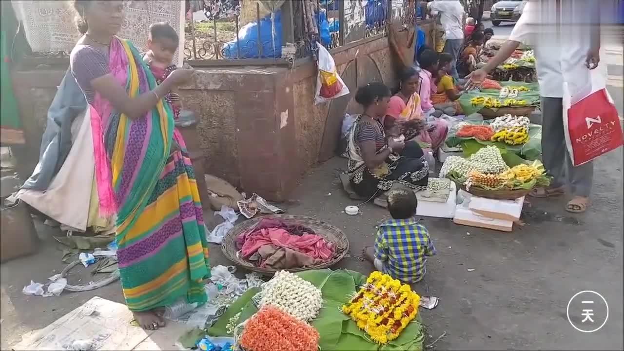 中国人到印度实拍,印度女人怎么做生意,看看孟买的贫民窟