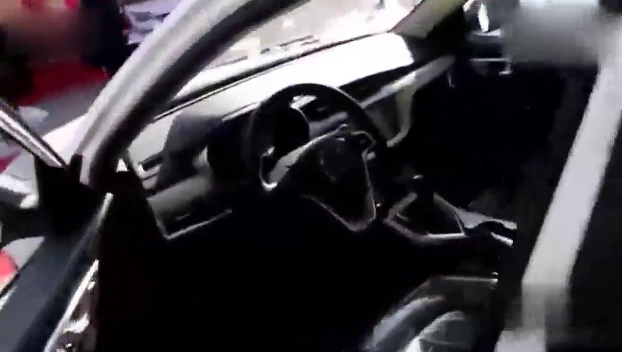视频:国产车中口碑不错的车!吉利新远景外观时尚大气,配置高价格低!