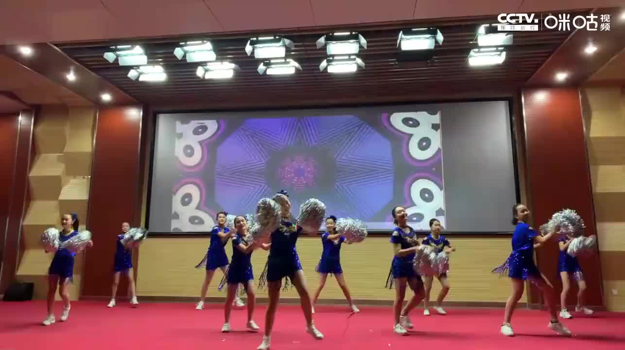 烟台十中第十七届青春的绽放校园艺术节第5场