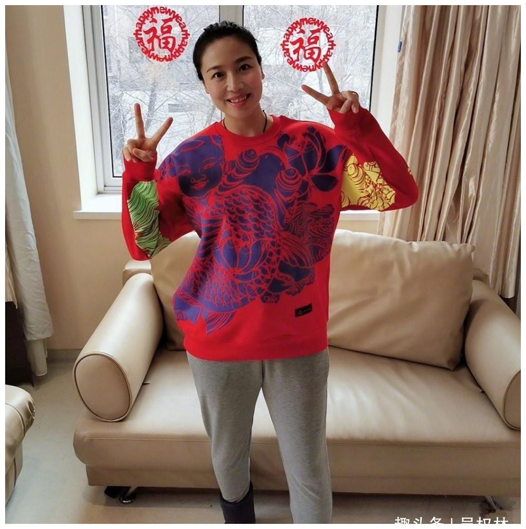 她是中国女排的最美队长,嫁给郎平得意助手,产子后身材恢复迅速