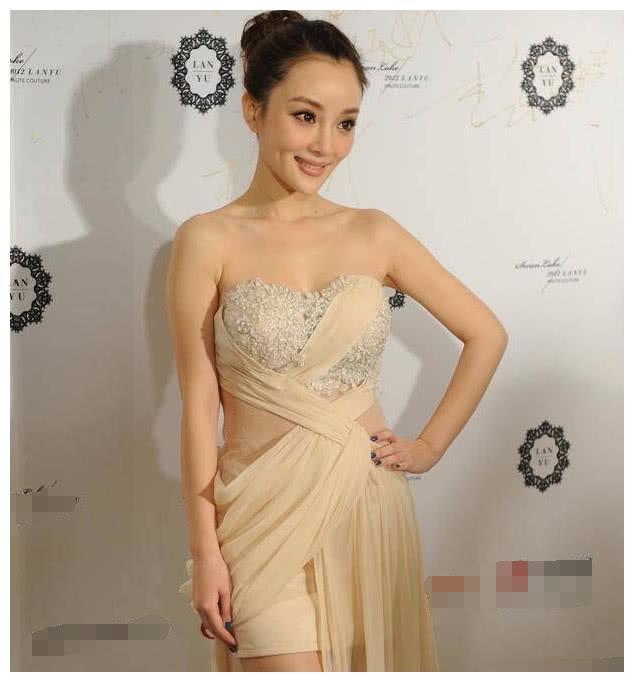 李小璐:我身材好,白百何:我腿长,两人同穿长裙,这场面有点尬