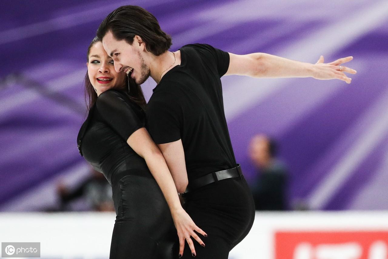 国际空间大学花样滑冰大奖赛第五场的节奏舞蹈比赛中表演