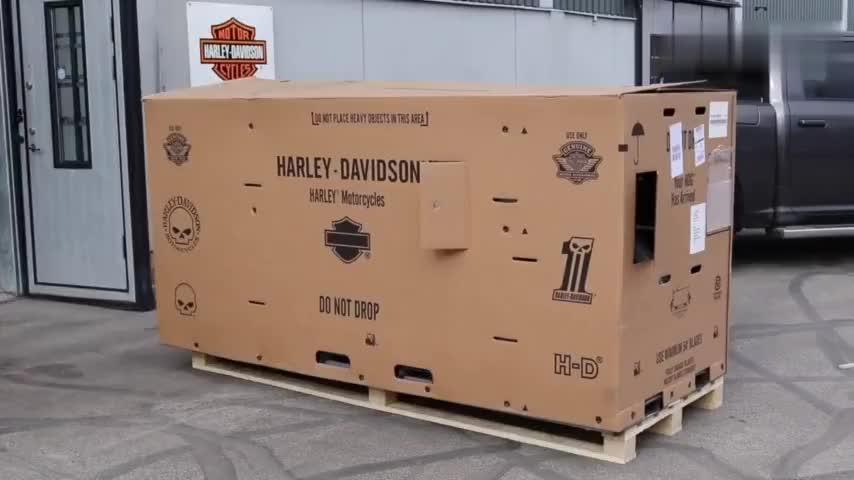 网购的哈雷摩托车开箱,看完我动心了