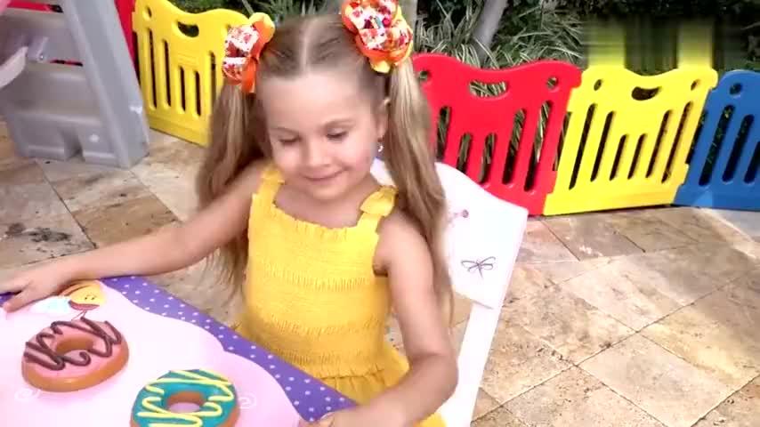 小萝莉和小正太的糖果玩具游戏