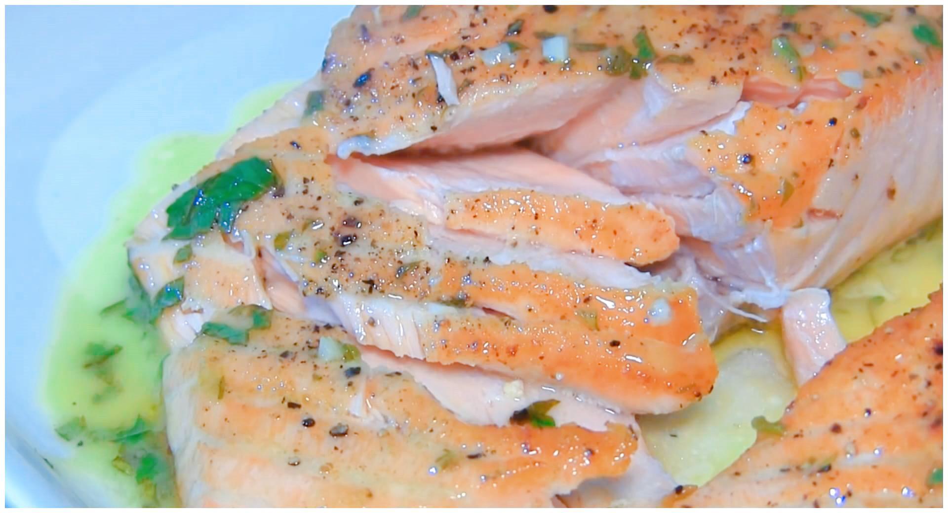 三文鱼别再生吃了,教你正宗香煎三文鱼做法,做好鱼肉细嫩不油腻