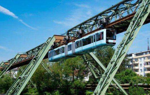 伍珀塔尔——被誉为可以乘坐悬浮电车的城市