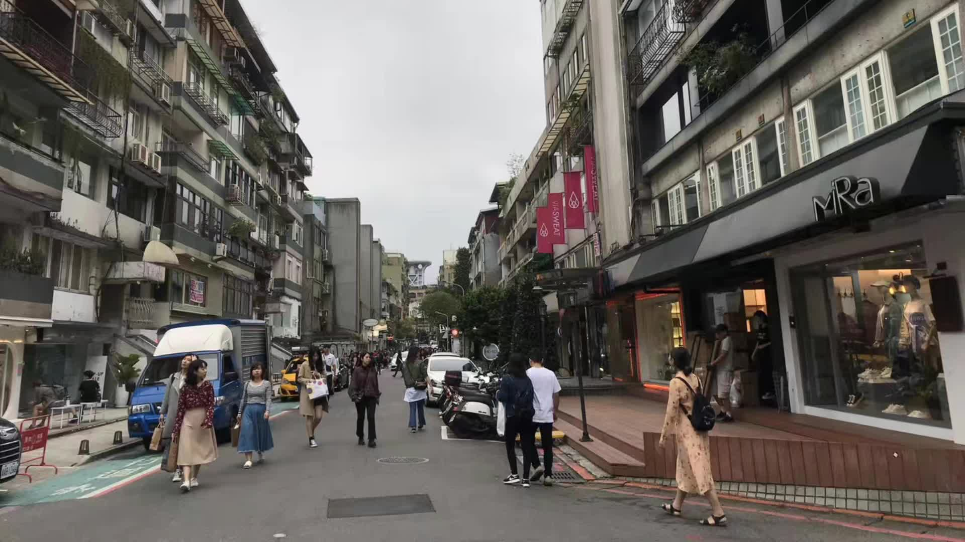 会讲故事的照片(台北一条平常的小路却隐藏着精致的时尚小店)
