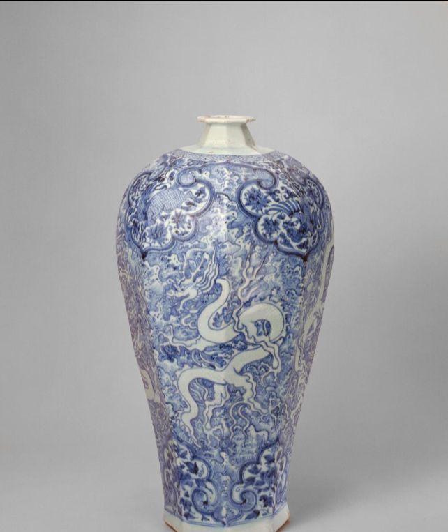 元代在景德镇诞生了青花瓷,从此中国瓷器迈入了一个新的篇章