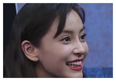蔡徐坤曾给她唱歌,权志龙主动讨好她,就连易烊千玺也很了解她
