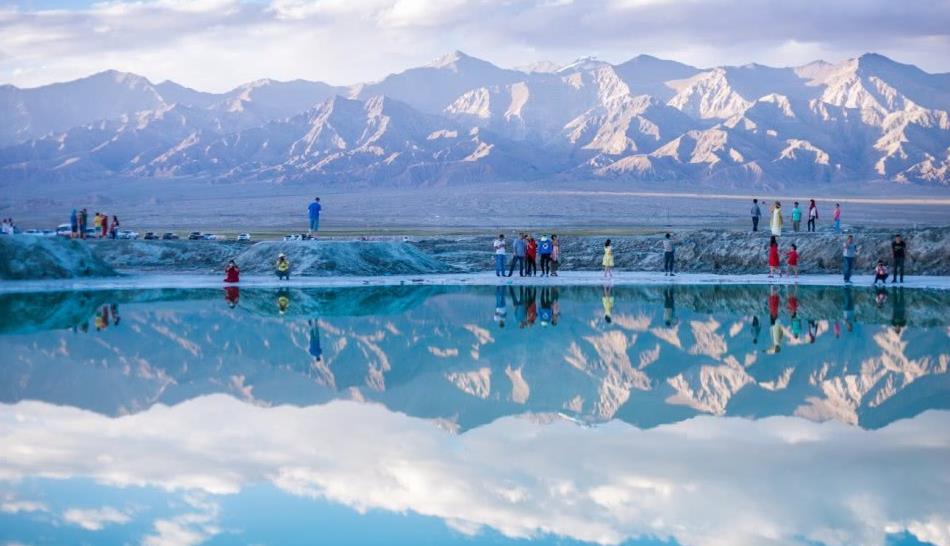 为什么青海湖景色这么优美,湖中的生物却如此稀少?