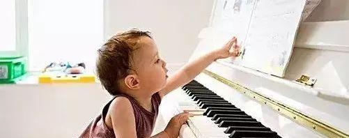 钢琴启蒙阶段,如何让孩子少走弯路?