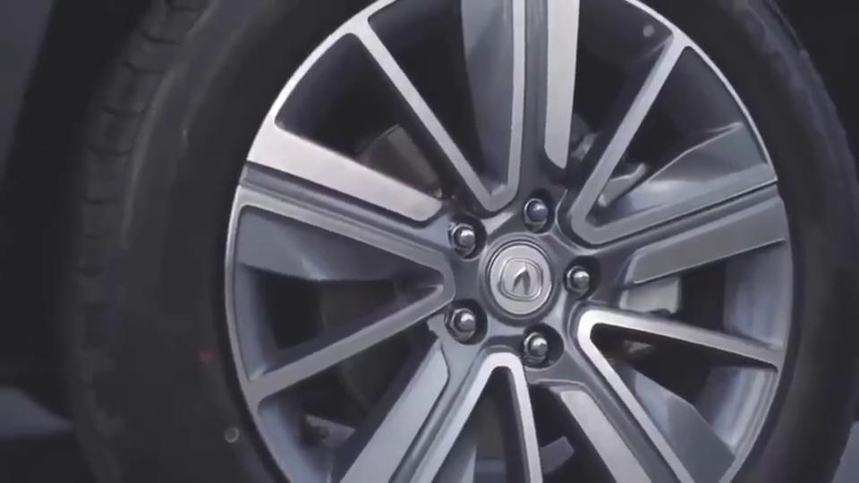 视频:自主SUV小钢炮,全新长安CS35Plus,坐进后备箱那刻我心动了