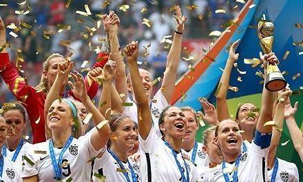 美国卫冕女足世界杯的启示,只有发展校园足球才能保证女足强大