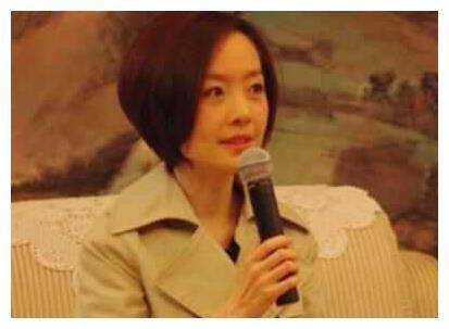 47岁陈鲁豫近照 简直就像做了换头手术 这还是她吗?