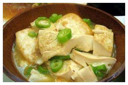 精选美食推荐:葱焖带鱼,鸡汤豆腐烩青椒,木耳炒肉的做法