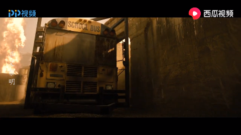 正义黎明:蝙蝠侠被部队包围,双拳难敌四手更何况是一群人