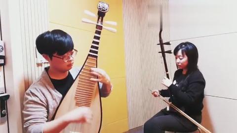 一扇琵琶一把二胡,将霍尊《天行九歌》的优美旋律表现的淋漓尽致