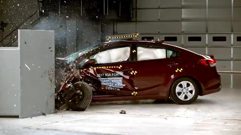 起亚 福瑞迪 美国高速安全保险协会 碰撞测试 25%小角度