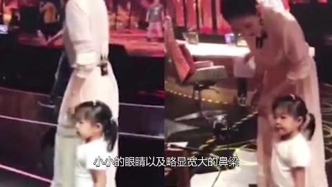 汪峰小女儿近照曝出章子怡基因太强标准的美人坯子