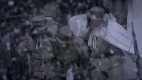 三八线:半个干粮都要分给战友!中国人民志愿军,团结似兄弟!