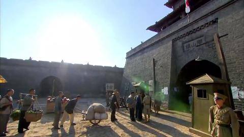 战魂第十三集:苏荣昌去逛窑子忠孝和王连长在盯着这个卖国汉奸