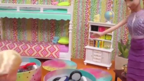 芭比娃娃和她的指尖陀螺,疯狂的玩耍停不下来