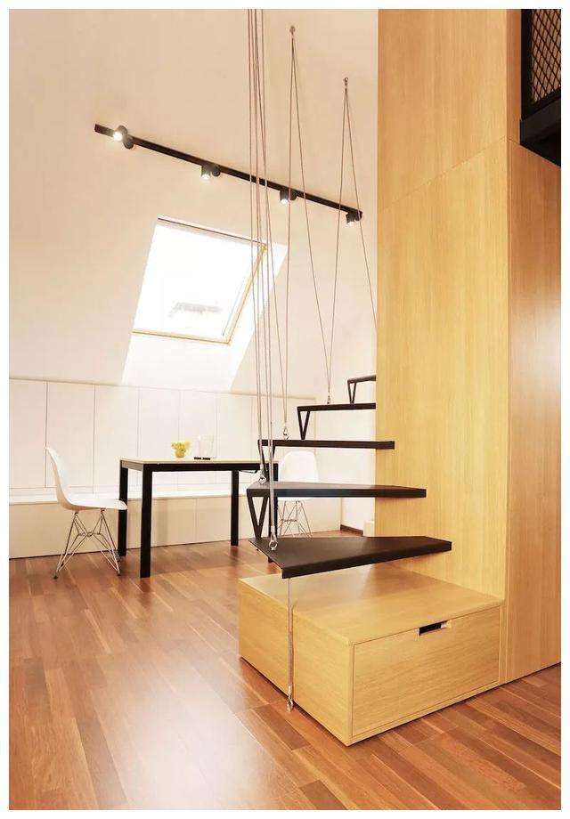 20㎡阁楼单身公寓,铁丝网卧室+悬浮楼梯,很有腔调的个性设计图片