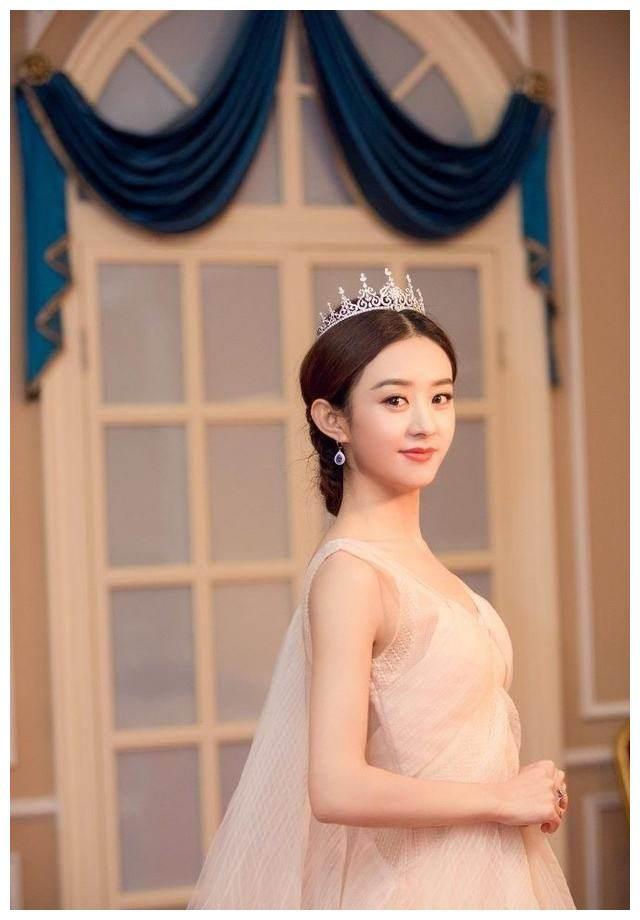娱乐圈4位女神的英文名:赵丽颖的最洋气,迪丽热巴的最普通!