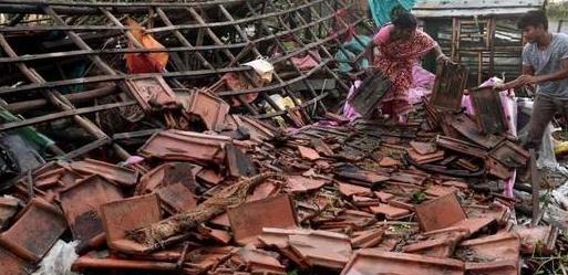 """飓风""""布尔""""袭击孟加拉国印度 造成12人死亡,百万人撤离"""