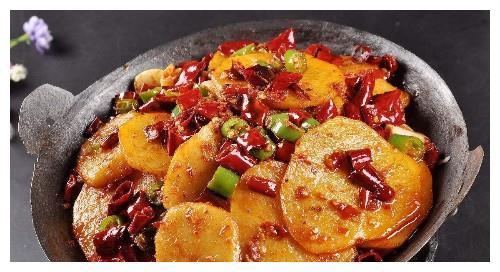 土豆还含丰富的赖氨酸和色氨酸 这是一般粮食所不可比的