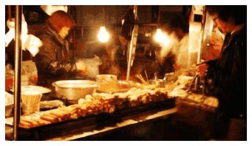 老外吐槽中国菜低端环境差太廉价,网友回怼一看就知道是个土鳖