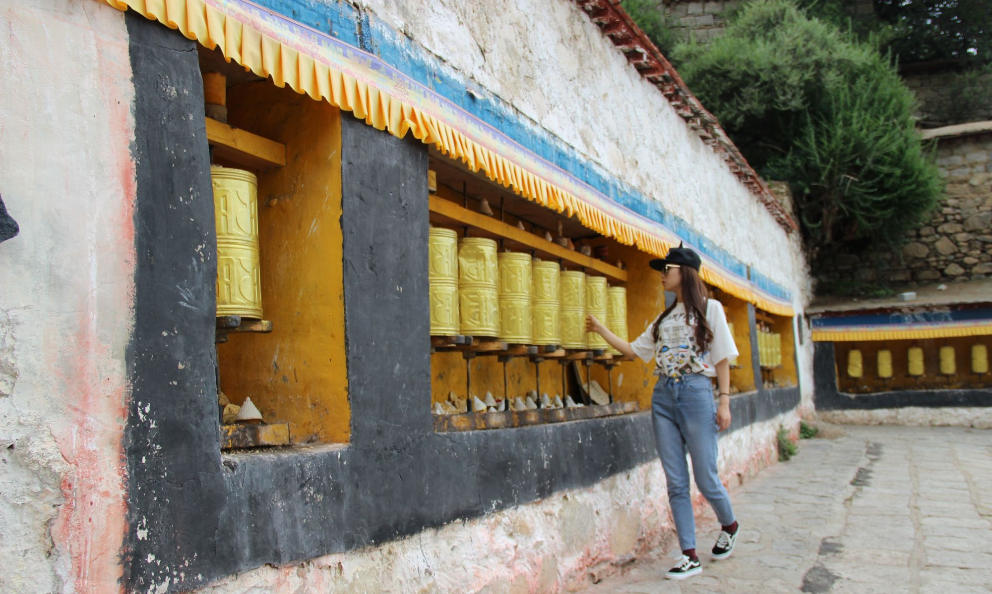 """西藏最大的寺庙,被历代达赖奉为""""母寺"""",有属寺三千多座"""