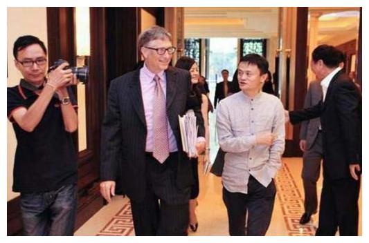 看马云请比尔盖茨吃的中国美食 网友都无法相信 他们到底吃啥了