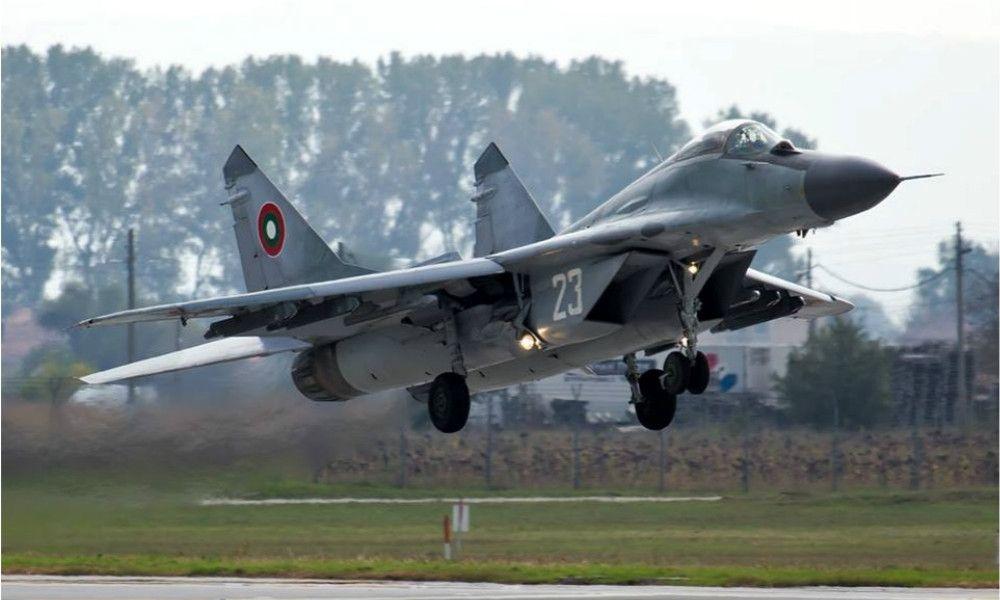 东欧小国买战机很搞笑 国会铁心买最新F-16V支持总理反杀总统