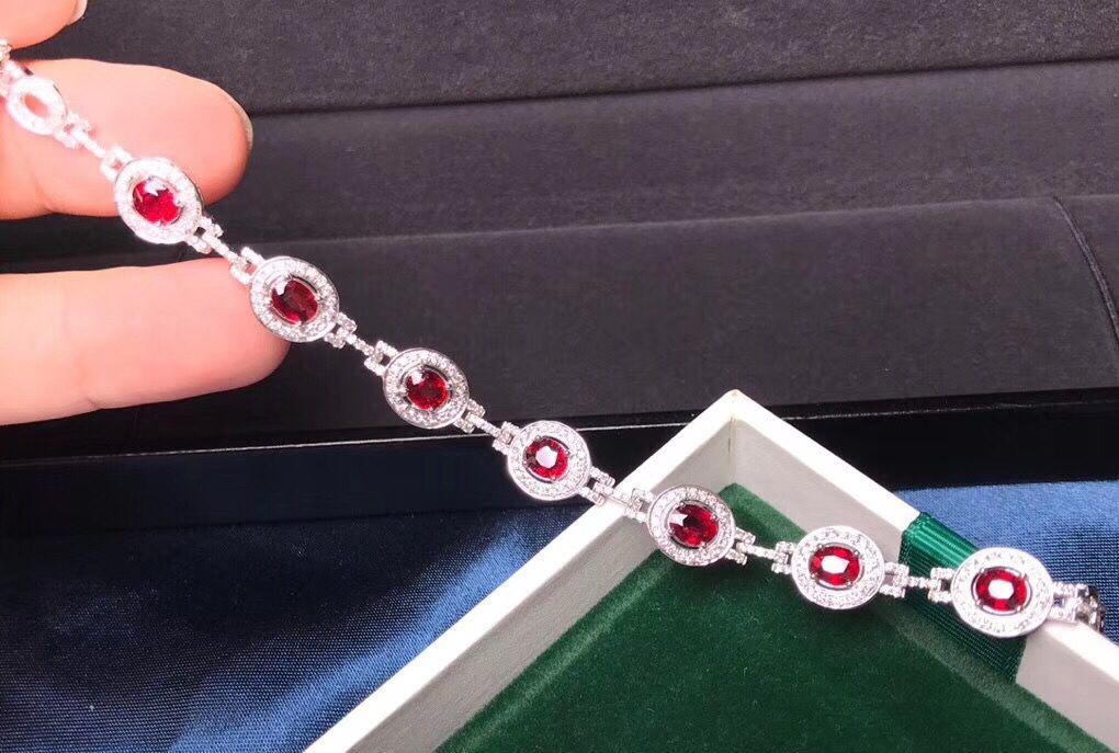 豪华红宝石手链镶嵌图