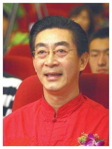 作为中国唯一拥有两张身份证的人,六小龄童究竟有过怎样的奇遇?
