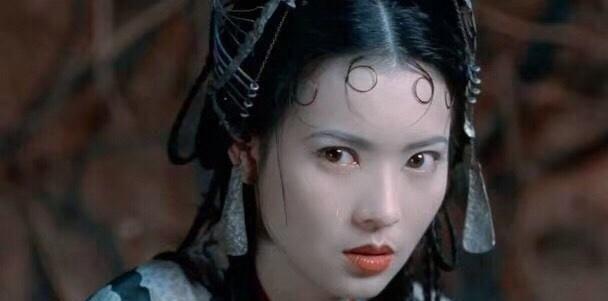 蓝洁瑛年轻时好漂亮,那个美过紫霞的春十三娘,再也见不到了