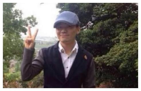 王宝强国庆陪父母爬山旅行,最后一张照片却引起了网友强烈不满?