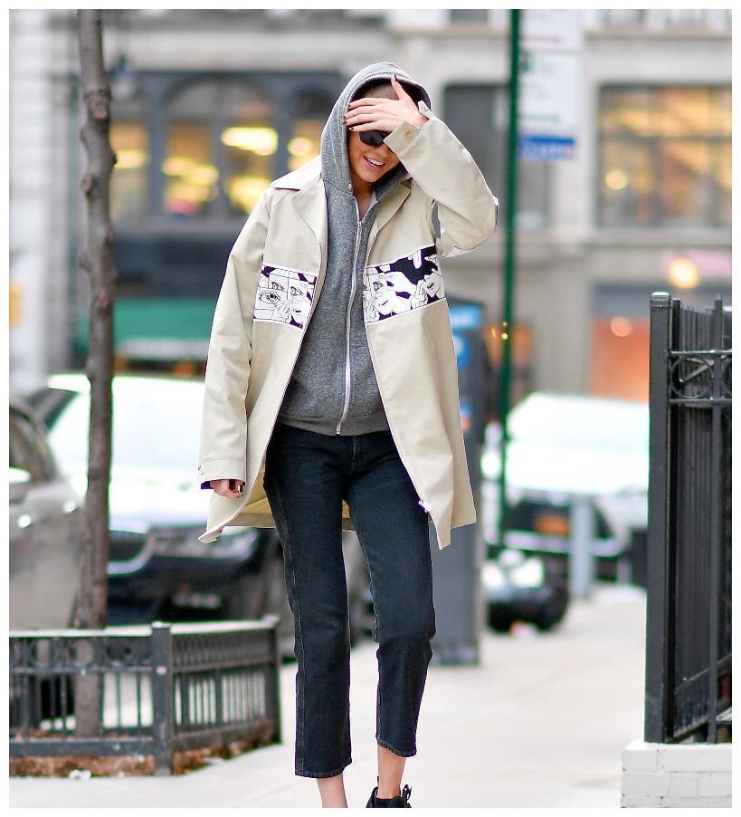 Gigi Hadid 吉吉·哈迪德在纽约街拍 挡住脸都认不出