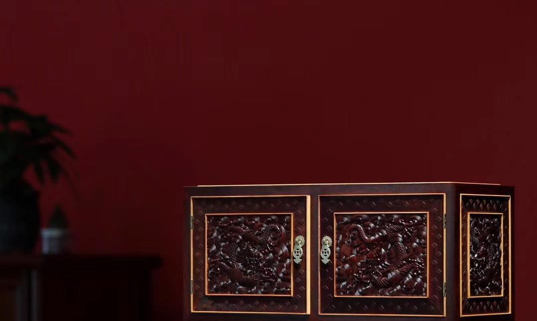 复刻清代御用小叶紫檀镶嵌黄杨木,龙纹顶箱柜